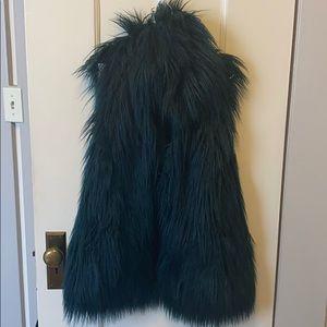 Fabulous deep teal Guess faux fur vest 🌊